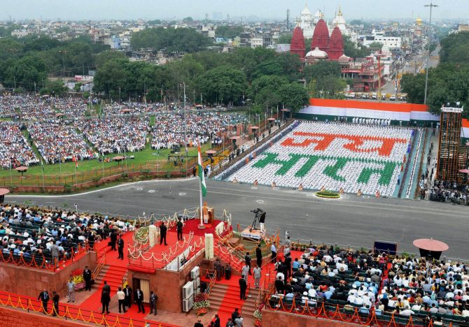 New Delhi : A view of the 69th Independence Day function at the historic Red Fort in New Delhi on Saturday morning. PTI Photo (PTI8_15_2015_000342B)
