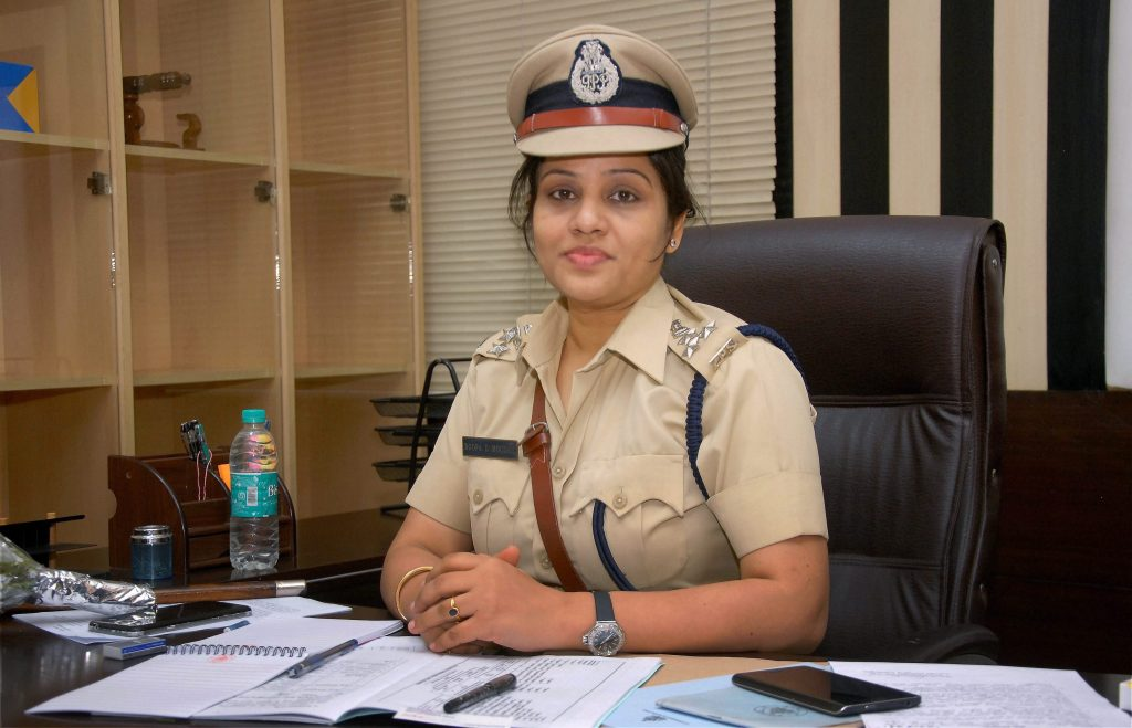 Bengaluru : File photo of D Roopa Moudgil, DIG (Prisons) of Karnataka, at her office in Bengaluru. Moudgil has exposed the VIP treatment being given to AIADMK leader VK Sasikala in Parappana Agrahara Central jail. PTI Photo (PTI7_14_2017_000166B) *** Local Caption ***