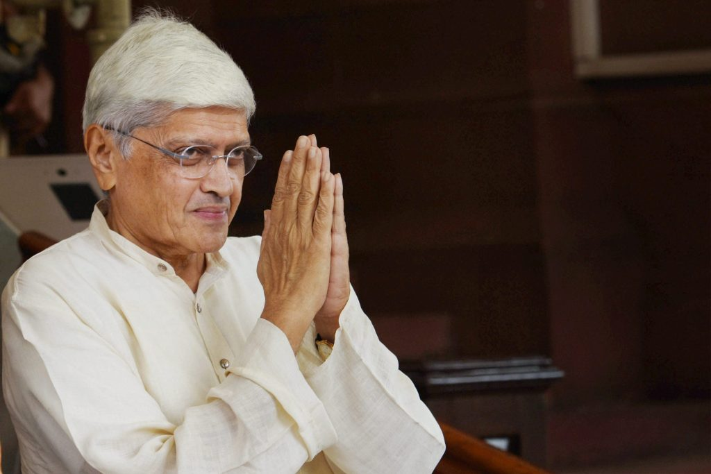 New Delhi: Opposition's joint vice-presidential candidate Gopalkrishna Gandhi on his arrival to file his nomination in Parliament in New Delhi on Tuesday. PTI Photo by Subhav Shukla(PTI7_18_2017_000043B)