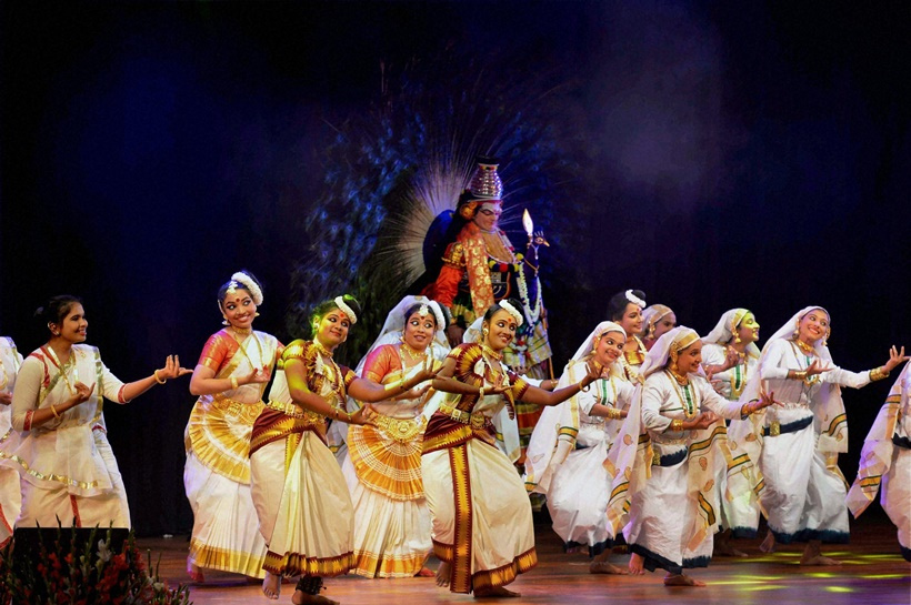 New Delhi: Artists perform during the cultural programme 'Kairali' - a special Onam programme in association with the Government of Kerala at auditorium Rashtrapati Bhavan Cultural Centre in New Delhi on Saturday. PTI Photo/RB (PTI9_4_2016_000212B) *** Local Caption ***