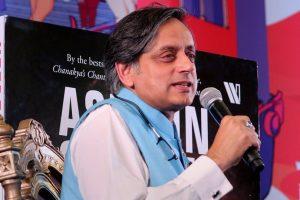 Jaipur: Writer and politician Shashi Tharoor speaks during his session at Jaipur Literature Festival 2018 held at Diggi Palace in Jaipur on Saturday. PTI Photo (PTI1_27_2018_000122B)