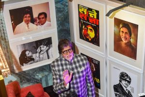 Mumbai: Veteran actor Amitabh Bachchan visits an exhibition by photographer Pradeep Chandra in Mumbai on Wednesday. PTI Photo by Mitesh Bhuvad(PTI5_9_2018_000226B)
