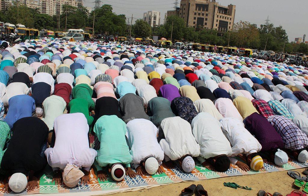 Gurugram: Muslims offer first Friday namaz during the holy month of Ramadan, in Gurugram, on Friday. (PTI Photo) (PTI5_18_2018_000129B)