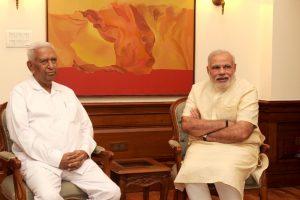 The Governor of Karnataka, Shri Vajubhai Vala calls on the Prime Minister, Shri Narendra Modi, in New Delhi on September 04, 2014.