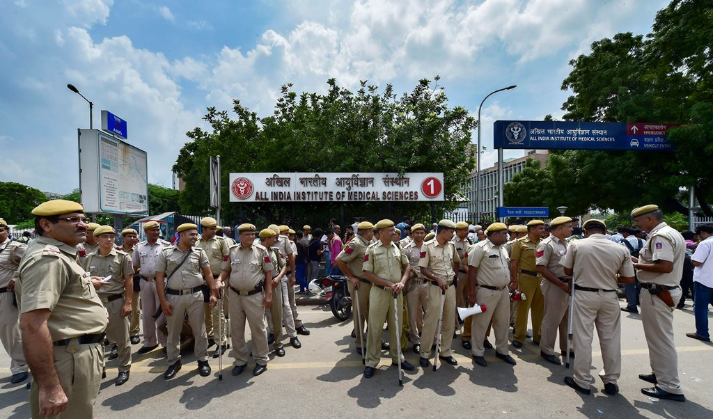 New Delhi: Tight security arrangements at All India Institute of Medical Sciences (AIIMS), where the former prime minister Atal Bihari Vajpayee is being treated, in New Delhi on Thursday, August 16, 2018. Vajpayee's condition is critical and he continues to be on an advanced life-support system. (PTI Photo/Kamal Singh) (PTI8_16_2018_000066B)