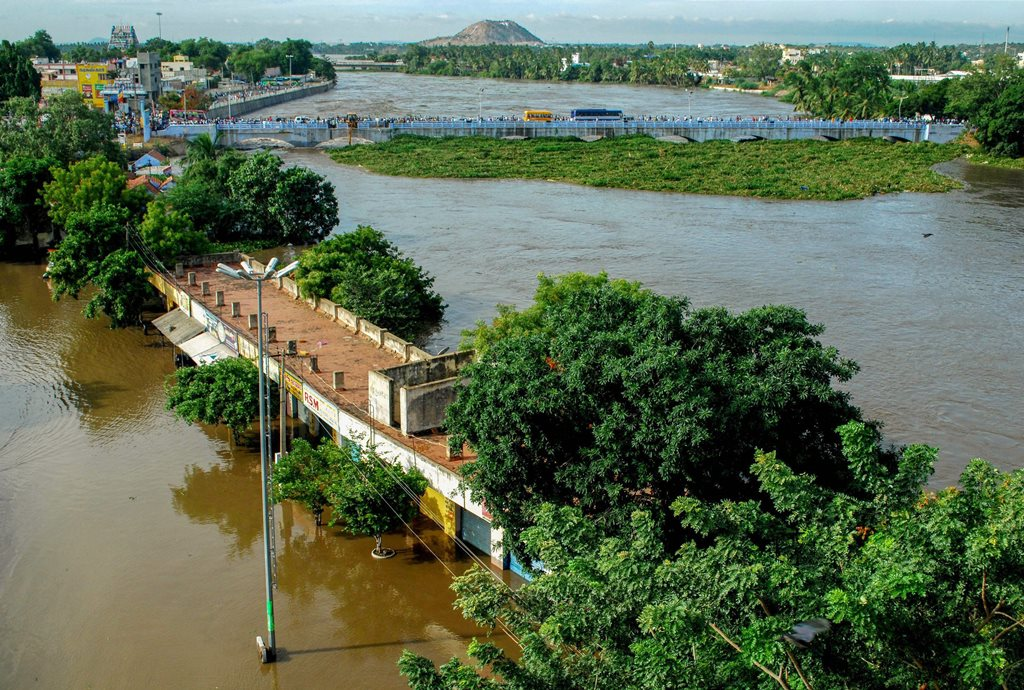 Erode: A view of the flood affected areas following heavy monsoon rainfall, at Bhavani in Erode on Saturday, Aug 18, 2018. (PTI Photo) (PTI8_18_2018_000096B)