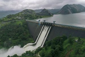 Idukki: A view of the Idukki Dam as water level continued to rise in the reservoir in Iduki dam area of Kerala on Friday, August 10, 2018. A red alert was issued for Idukki and its adjoining districts in view of the possibility of release of more water from the Idukki reservoir. (PTI Photo)(PTI8_10_2018_000227B)