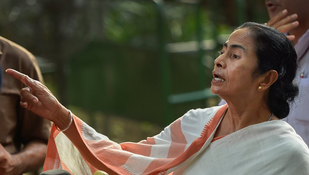 New Delhi: West Bengal Chief Minister Mamata Banerjee leaves after meeting Congress president Sonia Gandhi at her residence, in New Delhi on Wednesday, Aug 1, 2018. (PTI Photo/Ravi Choudhary) (PTI8_1_2018_000196B)