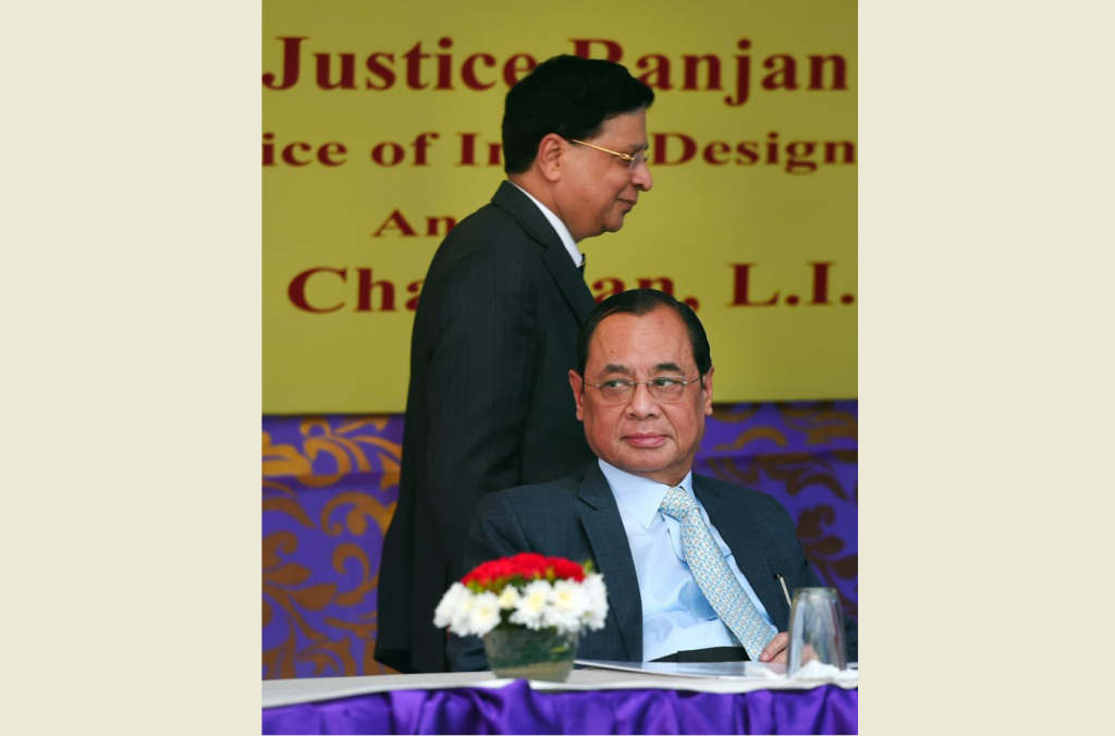 New Delhi: Chief Justice of India Justice Dipak Misra and CJI-designate Justice Ranjan Gogoi during the launch of SCBA Group Life Insurance policy, at the Supreme court lawns, in New Delhi, Tuesday, Sep 26, 2018. (PTI Photo/ Shahbaz Khan) (PTI9_26_2018_000111B)