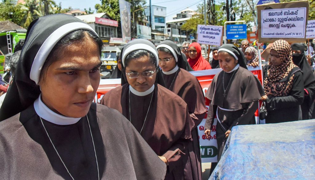 Kochi: Nuns, supported by women from the Muslim community, protest against the delay in action on a Roman Catholic church bishop who is accused of sexually exploiting a nun, in Kochi, Tuesday, Sept 11, 2018. (PTI Photo) (PTI9_11_2018_000103B)