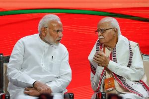 New Delhi: Prime Minister Narendra Modi and BJP senior leader LK Advani during BJP National Executive Meeting, in New Delhi, Saturday, Sept 8, 2018. (PTI Photo/Atul Yadav) (PTI9_8_2018_000103B)