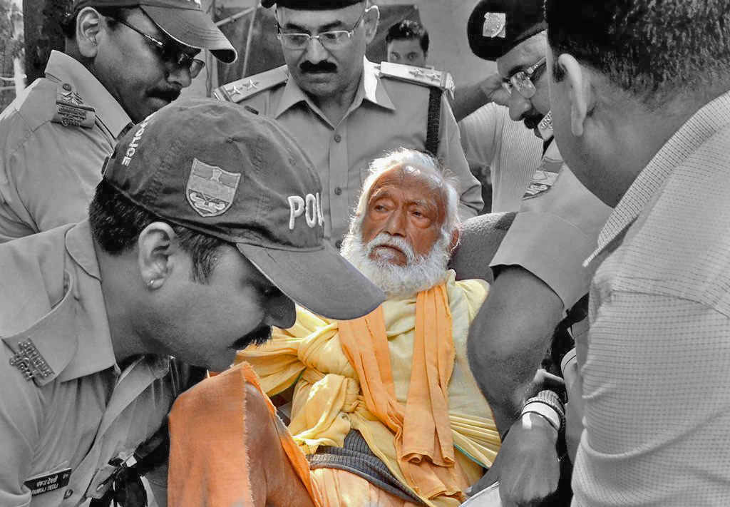 Haridwar: In this photo dated Oct 10, 2018, is seen environmentalist G D Agarwal, who was on fast unto death since June 22 for a clean River Ganga, being forcibly taken to the hospital after his health detriorated in Haridwar. Agarwal passed away on Thursday, Oct 11, 2018 at AIIMS Rishikesh following a heart attack. (PTI Photo) (PTI10_11_2018_000109)