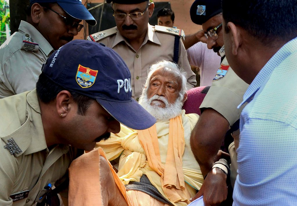 Haridwar: In this photo dated Oct 10, 2018, is seen environmentalist G D Agarwal, who was on fast unto death since June 22 for a clean River Ganga, being forcibly taken to the hospital after his health detriorated in Haridwar. Agarwal passed away on Thursday, Oct 11, 2018 at AIIMS Rishikesh following a heart attack. (PTI Photo) (PTI10_11_2018_000109B)
