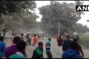 गाज़ीपुर में प्रदर्शन करते लोग. (फोटो साभार: एएनआई)