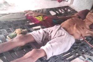 सिलिकोसिस से पीड़ित पोसराम. (फोटो: माधव शर्मा/द वायर)