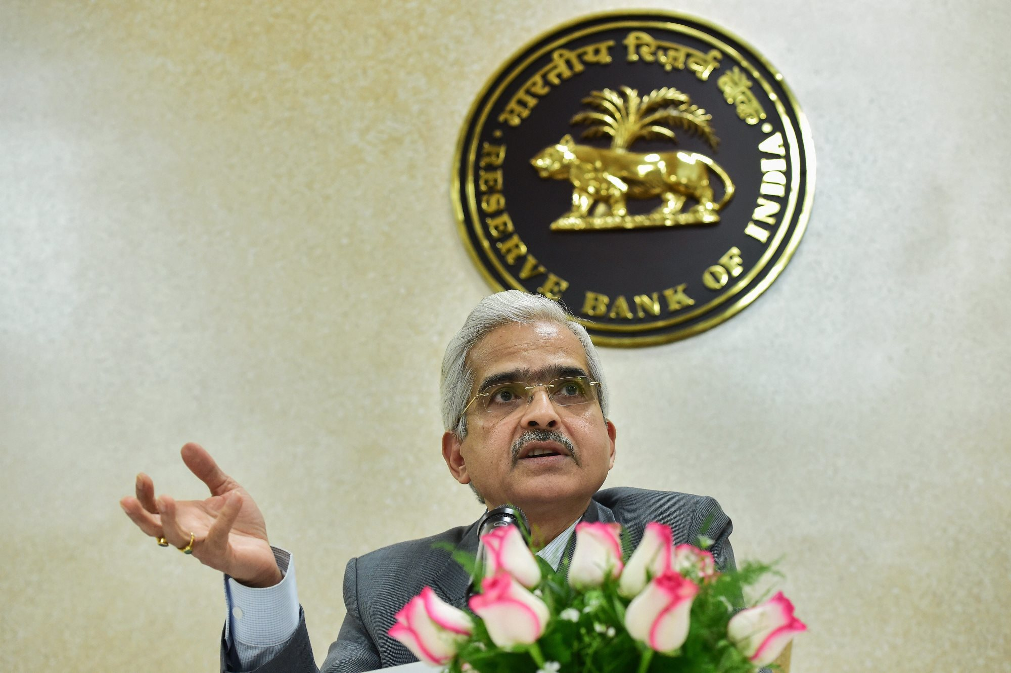 New Delhi: Reserve Bank of India Governor Shaktikanta Das interacts with the media at the RBI office, in New Delhi, Monday, Jan. 7, 2019.(PTI Photo/ Manvender Vashist) (PTI1_7_2019_000090B)
