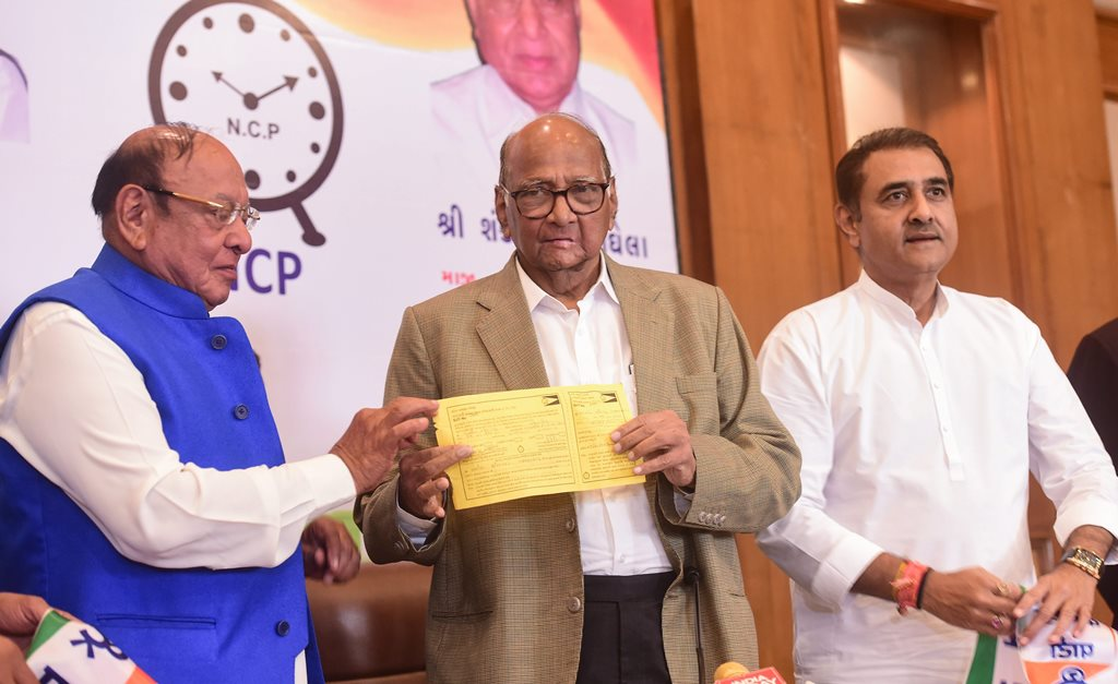 Ahmedabad: Former Gujarat chief minister Shankersinh Vaghela officially joins Sharad Pawar led Nationalist Congress Party (NCP), in Ahmedabad, Tuesday, Jan. 29, 2019. (PTI Photo/Santosh Hirlekar)(PTI1_29_2019_000125B)