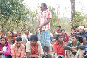 नियमगिरि के लखपदर गांव में लोदो सिकोका. (फोटो: जसिंता केरकेट्टा)