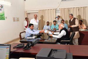 नरेंद्र मोदी ने शुक्रवार को वाराणसी से लोकसभा चुनाव के लिए नामांकन दाख़िल कियाण् (फोटो साभार: ट्विटर)