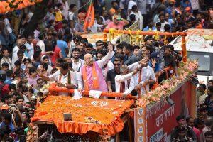 2019 के लोकसभा चुनाव में कोलकाता में हुए रोड शो के दौरान भाजपा अध्यक्ष अमित शाह. (फोटो: पीटीआई)