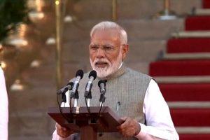 नई दिल्ली स्थित राष्ट्रपति भवन प्रांगण में बृहस्पतिवार को नरेंद्र मोदी ने दूसरी बार प्रधानमंत्री पद की शपथ ली. (फोटो साभार: ट्विटर)