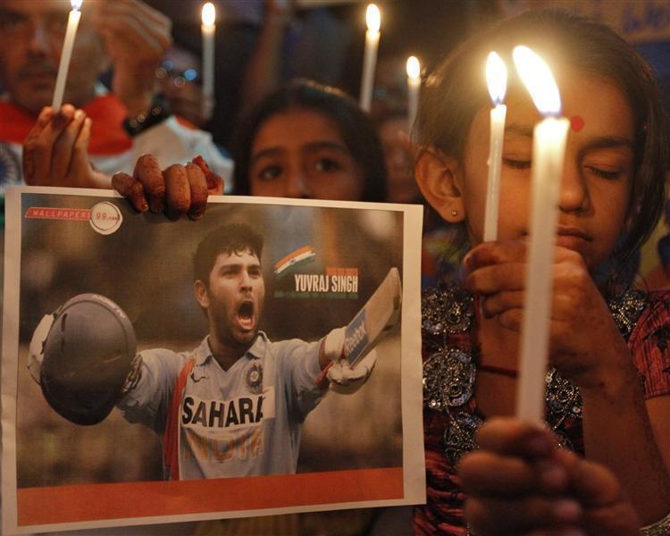 Yuvraj Singh Fans Prayer meet 2012 Reuters