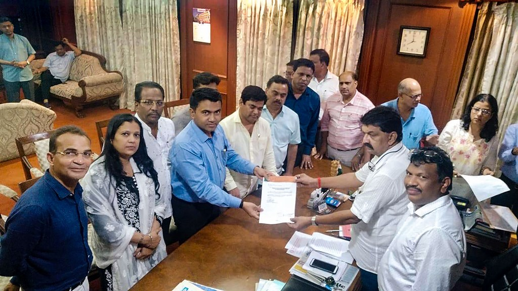 Panaji: Ten of 15 Congress members led by leader of opposition Chandrakant Kavlekar gives letter for merger of their faction in BJP to Speaker Rajesh Patnekar, in Panaji, Wednesday, July 10, 2019. (PTI Photo) (PTI7_10_2019_000233B)