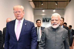 अमेरिका राष्ट्रपति डोनाल्ड ट्रंप के साथ प्रधानमंत्री नरेंद्र मोदी. (फोटो: ट्विटर)