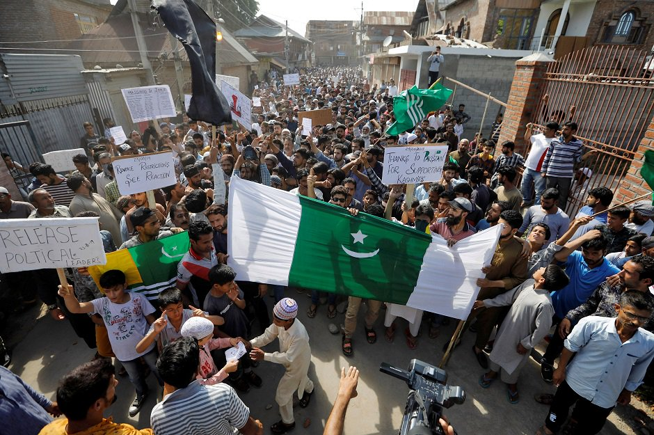Kashmiris attend a protest after Friday prayers during restrictions, after scrapping of the special constitutional status for Kashmir by the Indian government, in Srinagar, August 23, 2019. REUTERS/Adnan Abidi