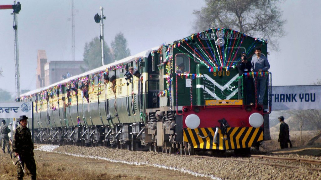 New Delhi: In this Jan 15, 2004, file photo, is seen Samjhauta Expresstrain coming from Lahore, crossing Indo-Pakistan border after a gap of two years, on its way to Attari Station. Pakistan stopped Samjhauta Express on their side at Wagah border on Thursday, Aug 08, 2019, citing security concerns.(PTI Photo)(PTI8_8_2019_000093B)