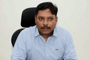 Karnataka IAS S Senthil Photo twitter