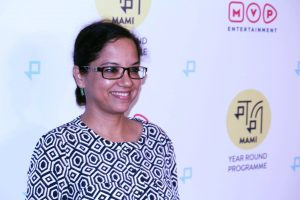 फिल्म निर्देशक तनुजा चंद्रा. (फोटो साभार: फेसबुक/@MumbaiFilmFestival)