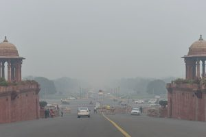 New Delhi: A view of Rajpath shrouded in smog in New Delhi, Friday, Nov. 1, 2019. The blanket of haze over Delhi thickened on Friday morning with pollution levels increasing overnight by around 50 points, taking the overall air quality index to 459. (PTI Photo/Manvdender Vashist)(PTI11_1_2019_000249B)
