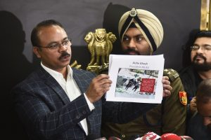 New Delhi: DCP (Crime) Joy Tirkey releases photographs of suspects in JNU violence as Delhi Police PRO MS Randhawa (R) looks on, during a press conference in New Delhi, Friday, Jan. 10, 2020. (PTI Photo)(PTI1_10_2020_000130B)