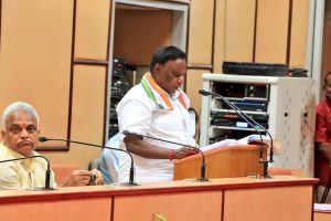 वी. नारायणसामी पुडुचेरी विधानसभा को संबोधित करते हुए. (फोटो: फेसबुक: वी. नारायणसामी)