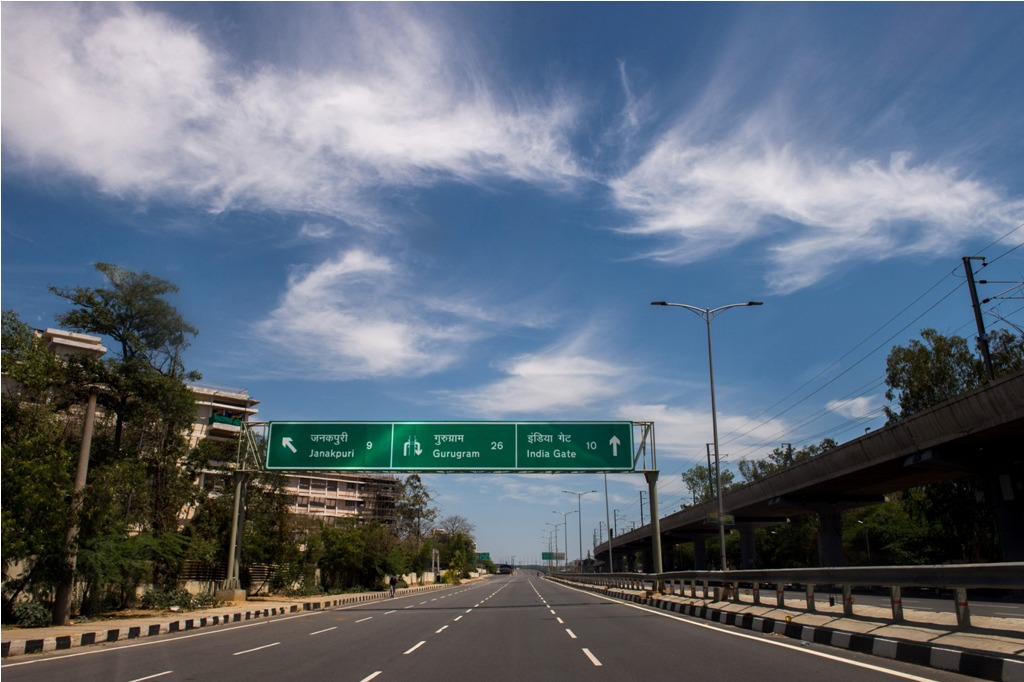 New Delhi: The normally busy Dhaula Kuan area wears a deserted look in the backdrop of a clear-blue sky, during a government-imposed nationwide lockdown in the wake of coronavirus outbreak, in New Delhi, Friday, April 3, 2020. (PTI Photo/Gurinder Osan)(PTI03-04-2020_000045B)