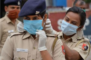 Chandigarh: Police personnel wear face masks during a nationwide lockdown in the wake of coronavirus pandemic, in Chandigarh, Friday, April 10, 2020. (PTI Photo)(PTI10-04-2020_000085B)