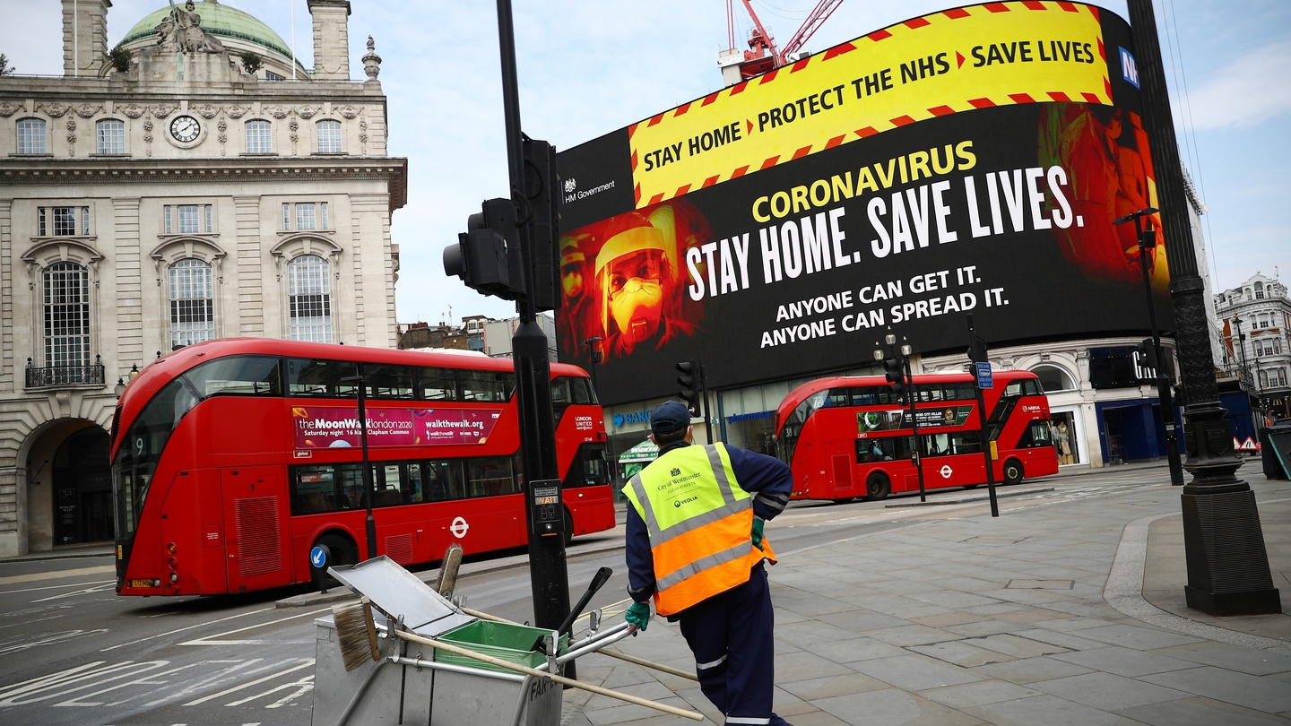 A UK government public health campaign is displayed in Piccadilly Circus, as the spread of the coronavirus disease (COVID-19) continues, London, Britain, April 8, 2020. (Photo: REUTERS/Hannah McKay)
