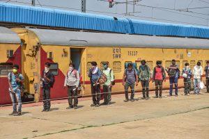 श्रमिक विशेष ट्रेन (फोटो:पीटीआई)