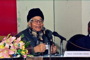 प्रोफेसर योगेंद्र सिंह. (फोटो: आशीष)