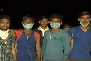 उत्तर प्रदेश सहारनपुर में यमुनानगर से लौट रहे मजदूर. (फोटो: यूट्यूब वीडियो ग्रैब)