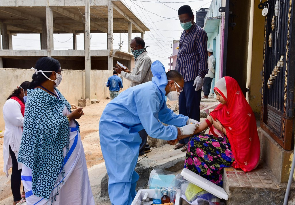Hyderabad: An ICMR team conducts surveillance in the view of COVID-19 outbreak at Balapur in Hyderabad, Sunday, May 31, 2020. (PTI Photo) (PTI31-05-2020 000052B)