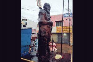 ईवी. रामासामी पेरियार की प्रतिमा. (फोटो साभार: ट्विटर/@KanimozhiDMK)
