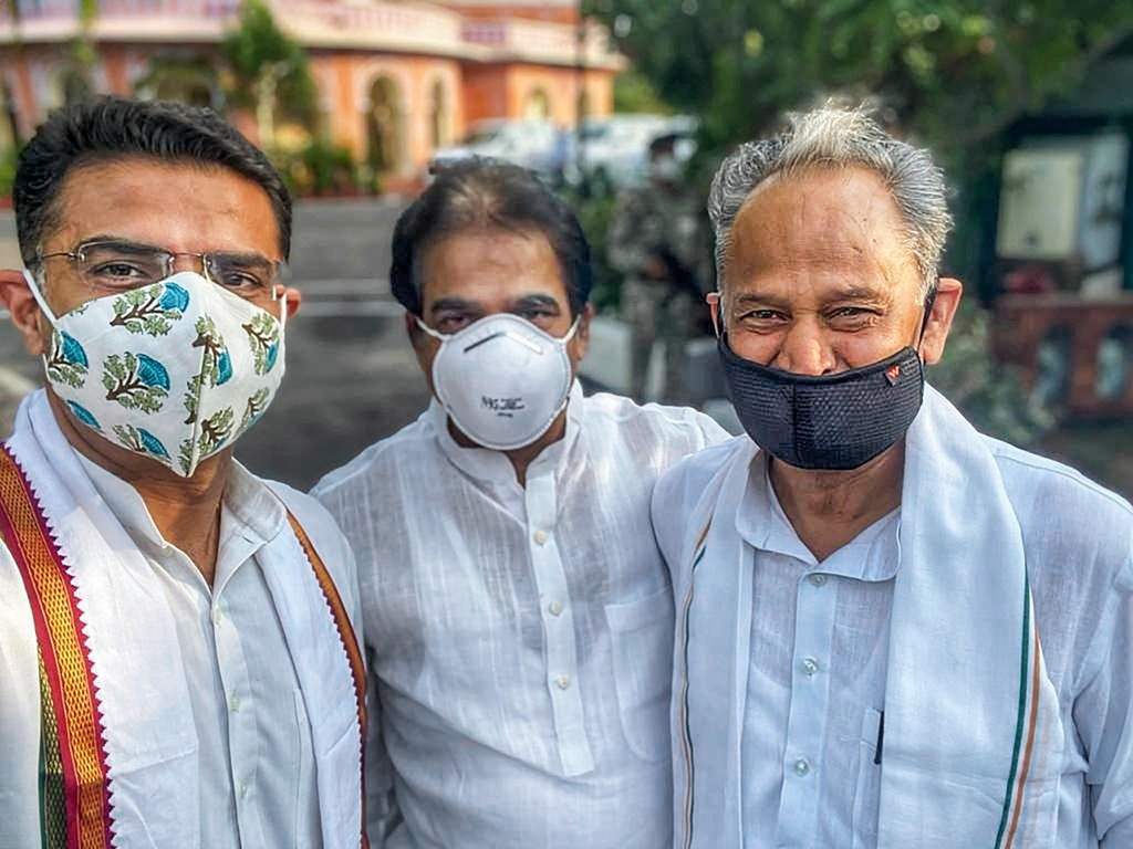 TWITTER IMAGE POSTED BY @kcvenugopalmp ON THURSDAY, AUG 13, 2020** Jaipur: Rajasthan Chief Minister Ashok Gehlot (R), Congress leaders Sachin Pilot (L) and KC Venugopal pose for a photograph, in Jaipur. (PTI Photo)(PTI13-08-2020 000210B)