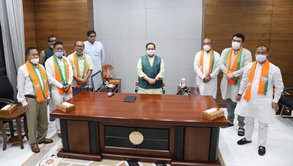 मणिपुर के पांच पूर्व कांग्रेस विधायक भाजपा में शामिल. (फोटो सभार: ट्विटर @NBirenSingh)