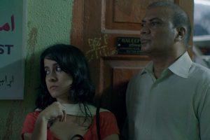 फिल्म के एक दृश्य में सारा हाश्मी और विपिन शर्मा.