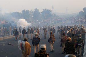 उदयपुर जिले के खेरवाड़ा में हिंसा के दौरान तैनात पुलिस बल. (फोटो: विशाल अग्रवाल)