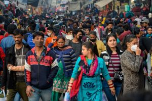 Jalandhar: Crowd of people at a market amid coronavirus pandemic, in Jalandhar, Sunday, Dec. 6, 2020. (PTI Photo) (PTI06-12-2020 000241B)