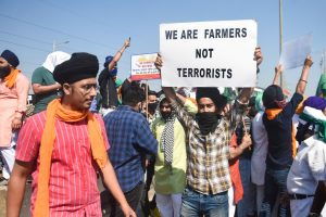 Mumbai: People belonging to Sikh community block traffic at Sion -Panvel highway during the nationwide strike, called by agitating farmers to press for repeal of the Centres agri-laws, in Mumbai, Tuesday, Dec. 8, 2020. (PTI Photo/Shashank Parade)(PTI08-12-2020 000175B)