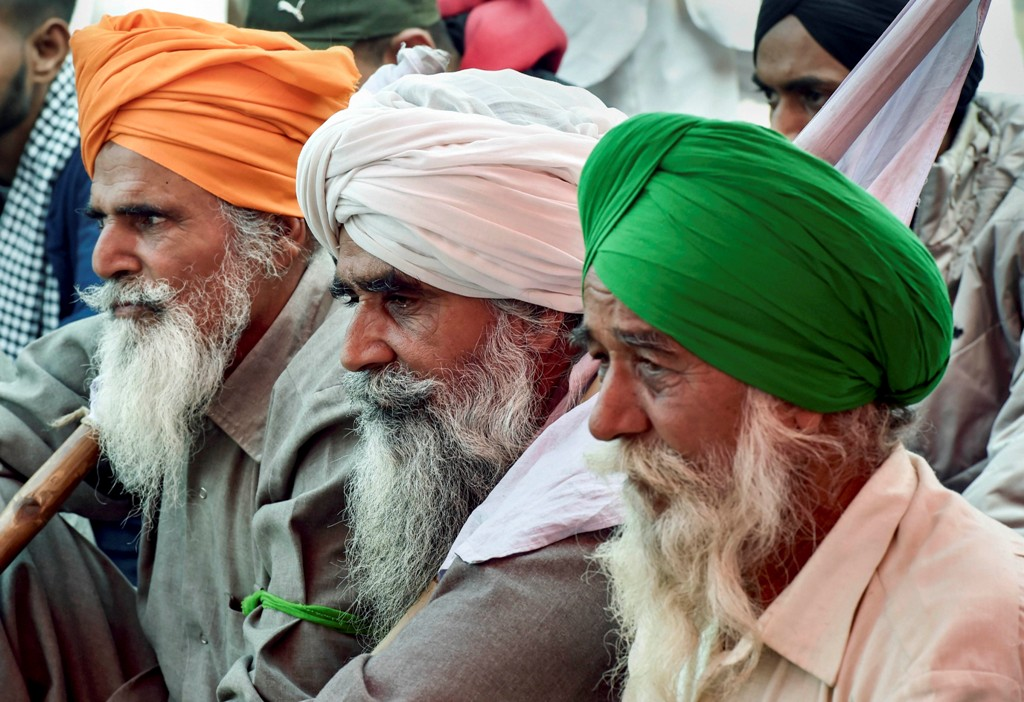 New Delhi: Farmers during their Delhi Chalo protest march against the new farm laws, at Singhu border in New Delhi, Sunday, Dec. 6, 2020. (PTI Photo/Manvender Vashist)(PTI06-12-2020 000091B)